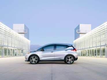 2017-Chevrolet-BoltEV-TA.jpg